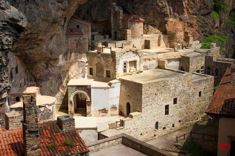Sümela Manastırı içi, Trabzon