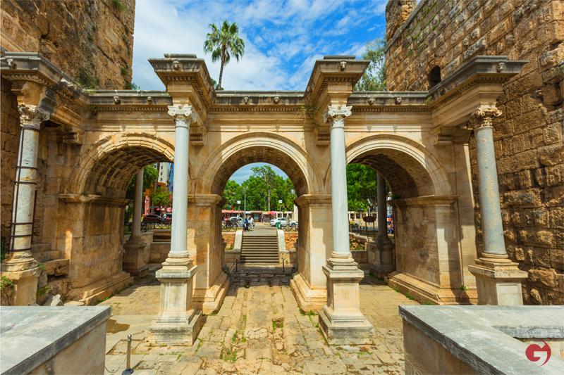 Hadrian Kapısı, Antalya